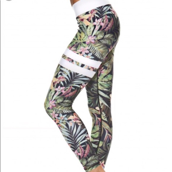 4506125859504f NEW Stronger workout tights Vietnam Floral Print. M_5a7126683afbbd16e19bd7db